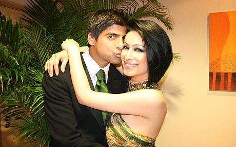 Sahar Daftary (R) and Rashid Jamil on their wedding day in December 2007. Sahar Daftary fell from outside his luxury apartment block. He claims he is innocent.