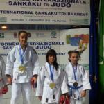 Sara D'Agostino (al centro)