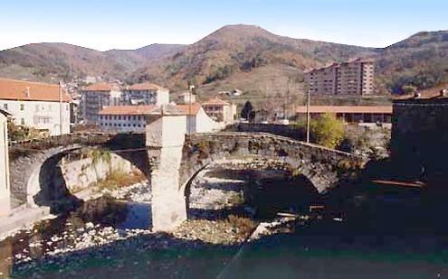Rossiglione Inferiore, Ponte medioevale