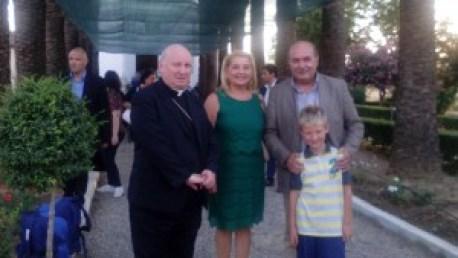 Dg e moglie e vescovo e nipote