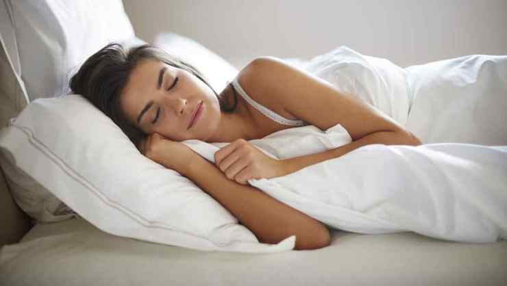 Las personas mayores duermen menos, y más mitos sobre el sueño ¡derrocados!    Telemundo
