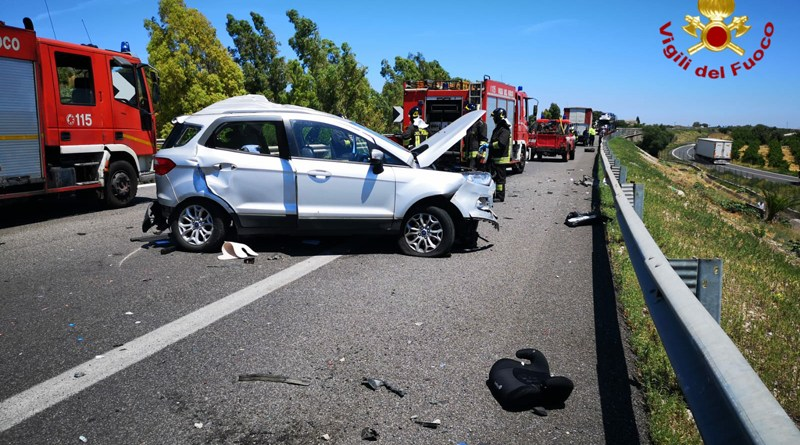 Incidente mortale sulla A19 tra gli svincoli di Catenanuova e Gerbini