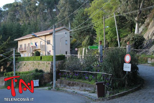 Nicosia, sgomberata la caserma del Distaccamento della Guardia Forestale a causa del distacco di un blocco di pietra