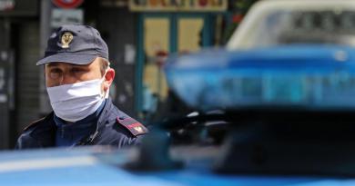 """Africani di m…."", raid punitivi per odio razziale: arrestato branco"