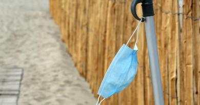 """""""No a tintarella con mascherina ma buonsenso in spiaggia"""""""