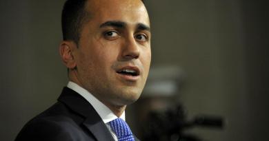 """""""Fuori i nomi, parlamentari rinuncino a privacy"""""""