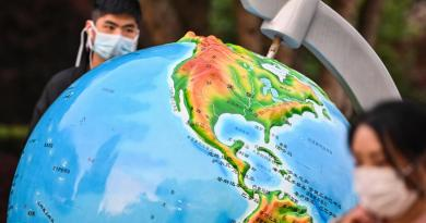 """Pandemia costa 375 mld dollari al mese"""