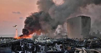 "Esplosioni Beirut, fonti Hezbollah: ""E' stato sabotaggio israeliano"""