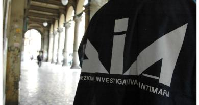 "Covid, ""mafia in soccorso a famiglie e imprese in crisi"""