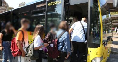 """Scuola, Azzolina: """"Criticità soprattutto sui trasporti"""""""