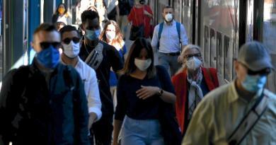Covid Lombardia, altri 4916 casi e 7 morti