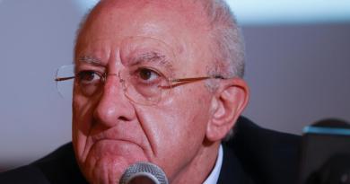 "De Luca scrive a Conte: ""Richieste Campania senza risposta"""