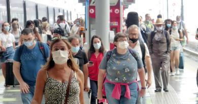 Italiani e Covid, fra sì a stretta e 5 milioni di lavoratori 'scomparsi'