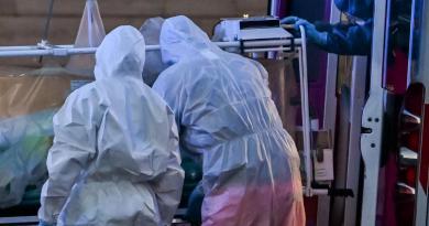 Covid Usa, oltre 217mila contagi nelle ultime 24 ore