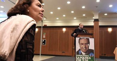 """Crisi governo, Lonardo voterà la fiducia: """"Mai chiesto nulla in cambio"""""""