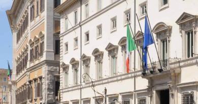 Vaccino Covid, il punto a Palazzo Chigi
