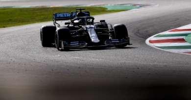 Pole n.100 per Hamilton, Ferrari in seconda fila con Leclerc
