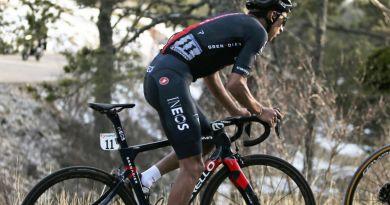 Bernal vince la nona tappa del Giro ed è in rosa