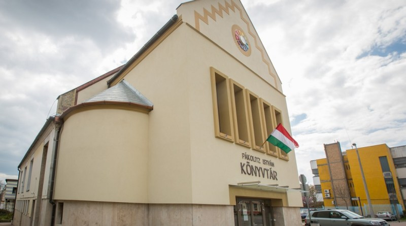Pákolitz István Városi Könyvtár. Fotó: Babai István/Paksi Polgármesteri Hivatal