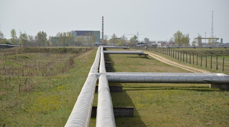 A Paks felé futó távhővezetékek. Fotó: Szaffenauer Ferenc/Paksi Hírnök