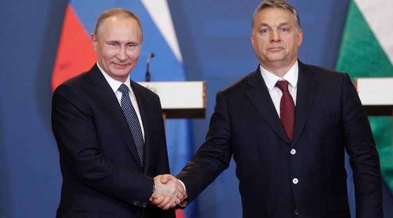 Vlagyimir Putyin és Orbán Viktor a Parlamentben. MTI Fotó: Szigetváry Zsolt