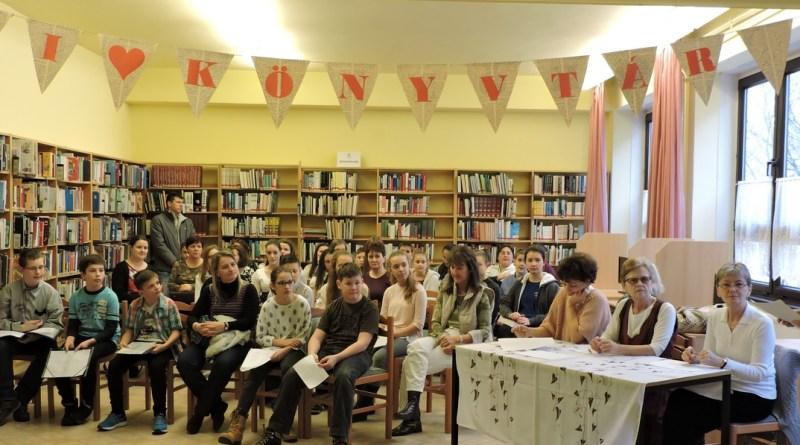 A városi vers- és prózamondó versenynek a Kínálgató Iskolai és Gyermekkönyvtár adott otthont. Fotó: Paksi II. Rákóczi Ferenc Általános Iskola
