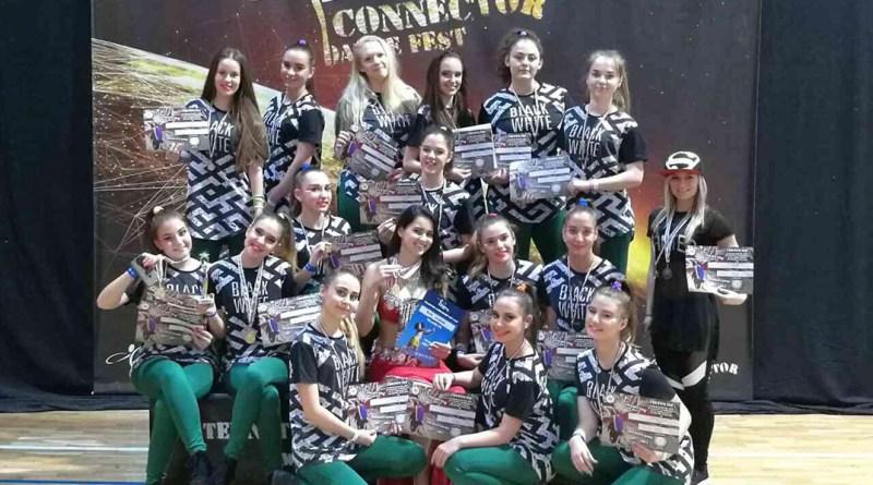 A Destiny's Dancers Táncstúdió tagjai Veszprémben. Fotó: DS