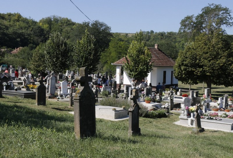 A dunakömlődi temető. Fotó: Molnár Gyula/Paksi Hírnök