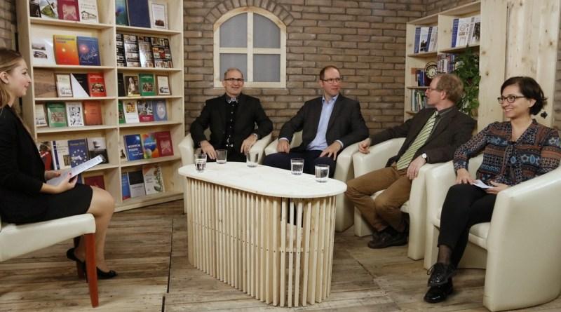 A TelePaks Vallási magazinjának felvétele. Fotó: Molnár Gyula/Paksi Hírnök
