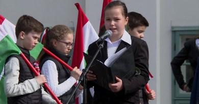 A Szent István téren kezdődött a március 15-i városi megemlékezések sora