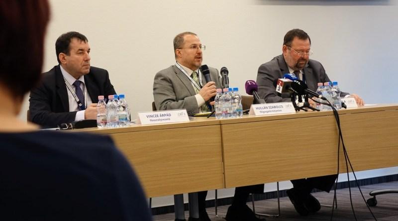 Az Országos Atomenergia Hivatal vezető tisztségviselői. Fotó: Vida Tünde