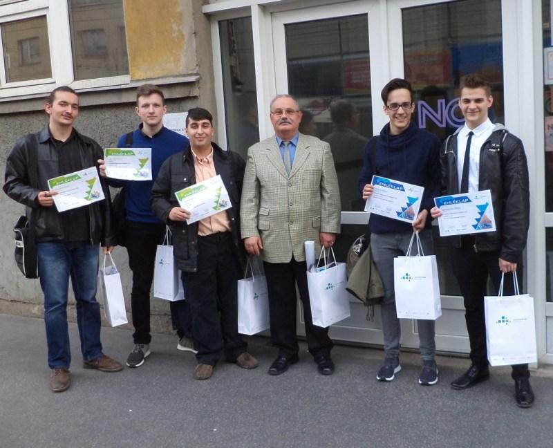 A képen balról jobbra: Török Dániel, Cziráki Péter, Kubanek Máté, Barkovics Lajos, Baksa Máté, Schweitzer Máté. Fotó: ESZI