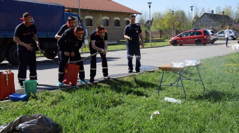 Számos feladat várt a Tolna megyei katasztrófavédelmi ifjúsági versenyen a diákokra. Fotó: Tolna Megyei Katasztrófavédelmi Igazgatóság