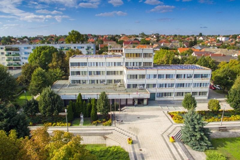 A paksi városháza. Fotó: Babai István/archív