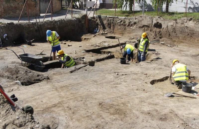 Az Attila utcai ásatás. Fotó: Molnár Gyula/Paksi Hírnök