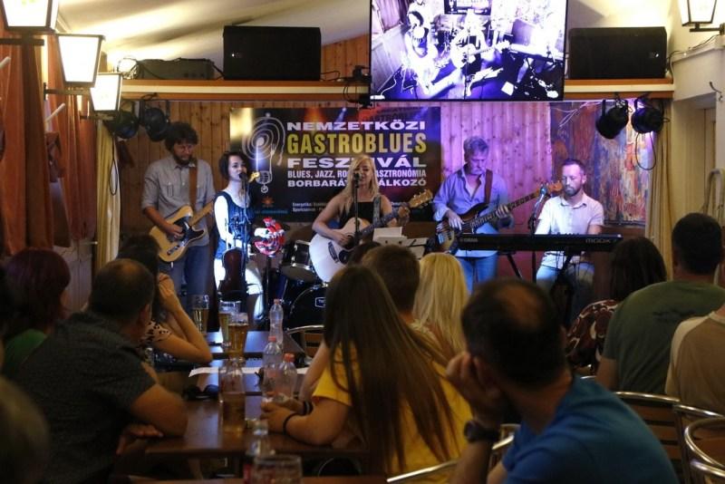A Pirkadat klubkoncertjével elkezdődött az idei fesztivál. Fotó: Molnár Gyula/Paksi Hírnök