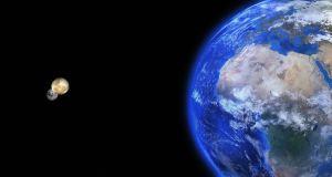 earth 2 moons