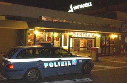 polizia-autogrill-15x10-teano-sera-11