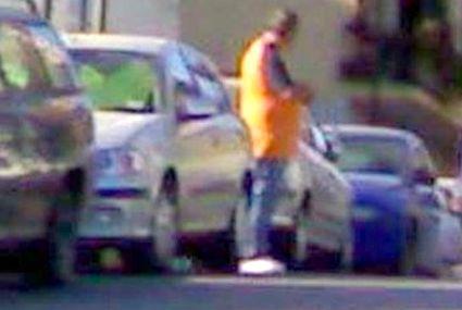 parcheggiatore-15x10_abusivo-strada-11