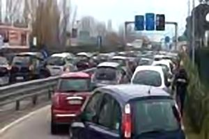 caserta-traffico-13-615x410