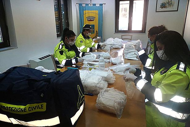 Castel di Sasso. CoronaVirus: mascherine distribuite porta a porta dai volontari della Protezione Civile