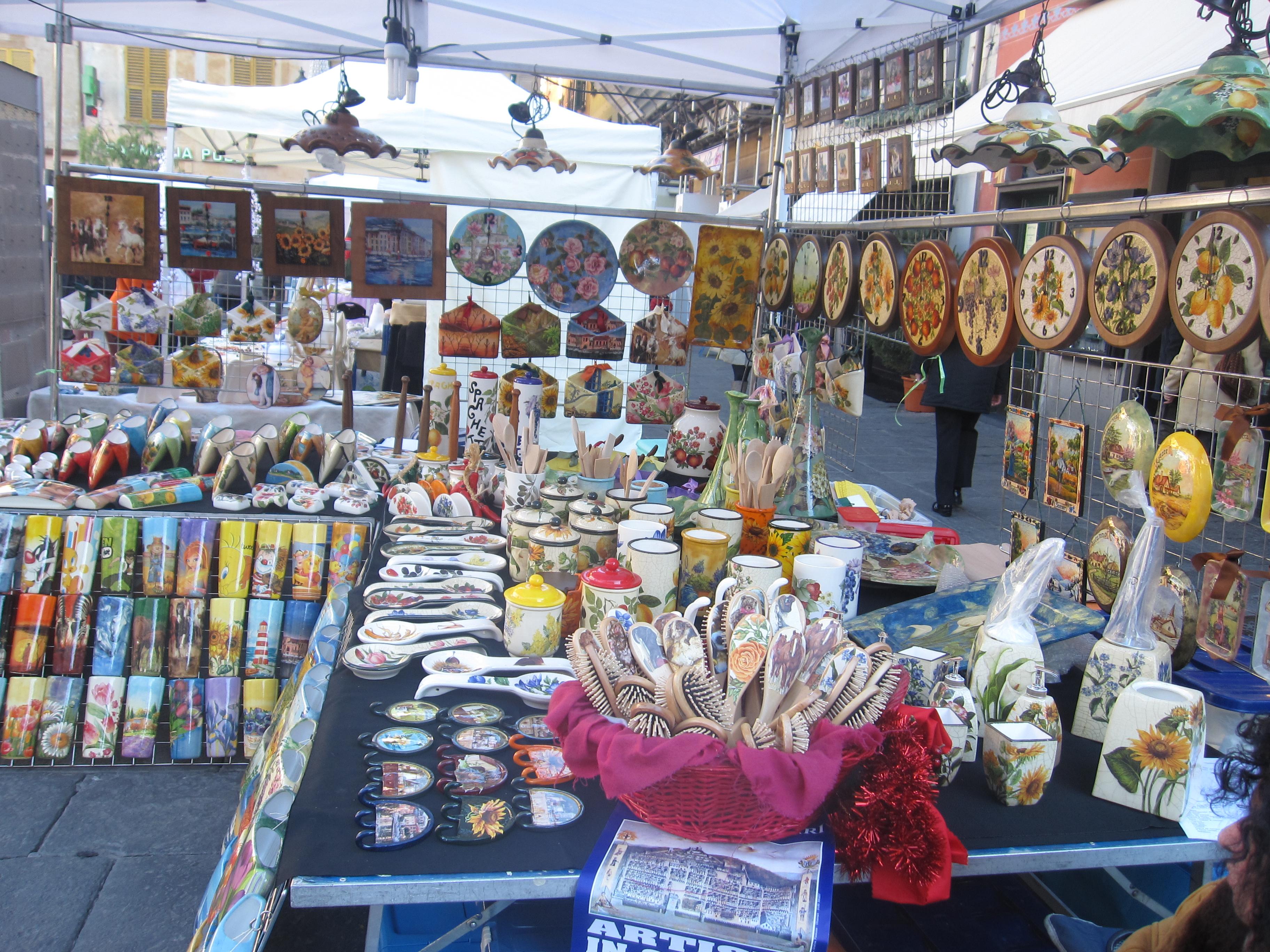 Torna nel fine settimana a chiavari il mercatino dell for Mercatini antiquariato 4 domenica