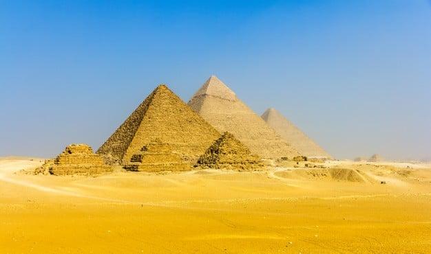 pirámides de la meseta de giza