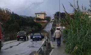 Il ponte di Via Lazio allagato. Foto di Paola Latini.