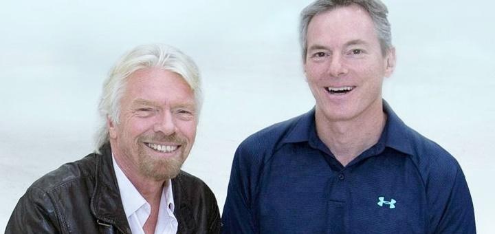 Richard Branson, presidente de Virgin Group, y Paul Jacobs, presidente de Qualcomm. Imagen: Mark Greenberg/ VIrgin Group