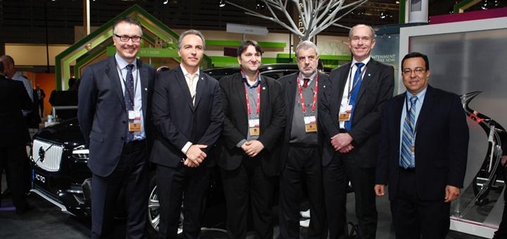 Representantes de la Secom y Ericsson en el MWC 2015. Imagen: Ericsson