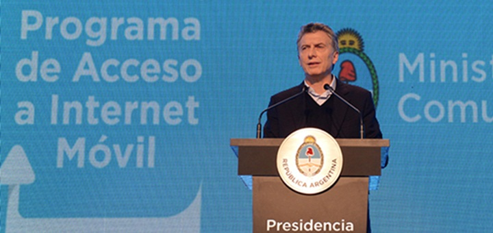 Mauricio Macri presentó el Programa de Acceso a Internet Móvil. Imagen: Casa Rosada.