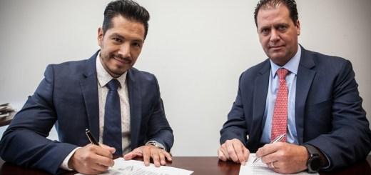 América Móvil y Samsung firman acuerdo de cooperación.