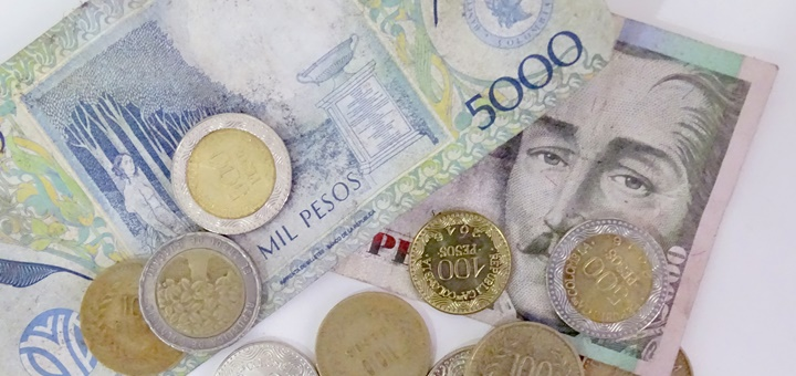 Pesos colombianos. Imagen: Lisete Reis/Flickr.