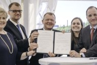 Primeros Ministros Nórdicos con la carta de intensión para el desarrollo de 5G. Imagen: Ericsson